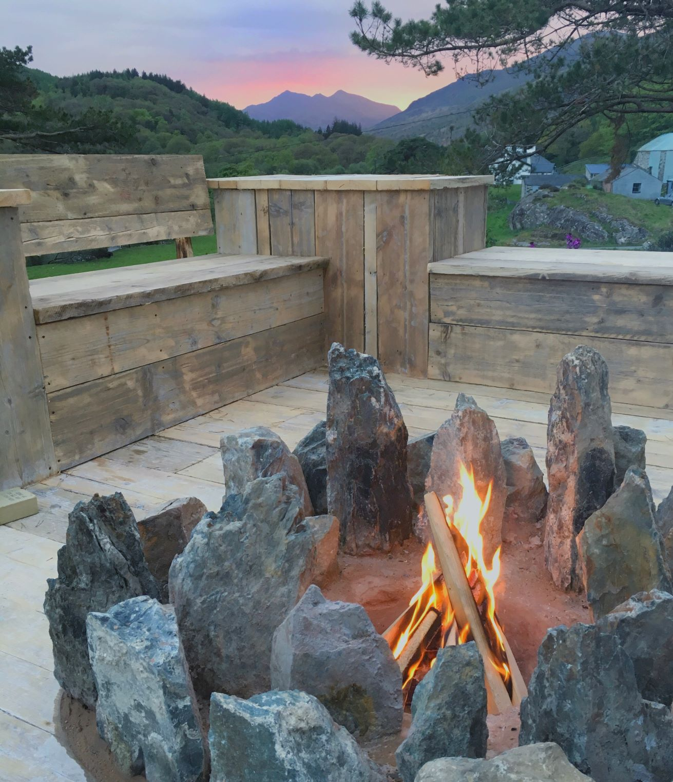 Firepit at Snowdonia hostel The Rocks at Plas Curig