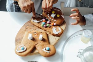 Christmas and divorce: Baking gingerbread
